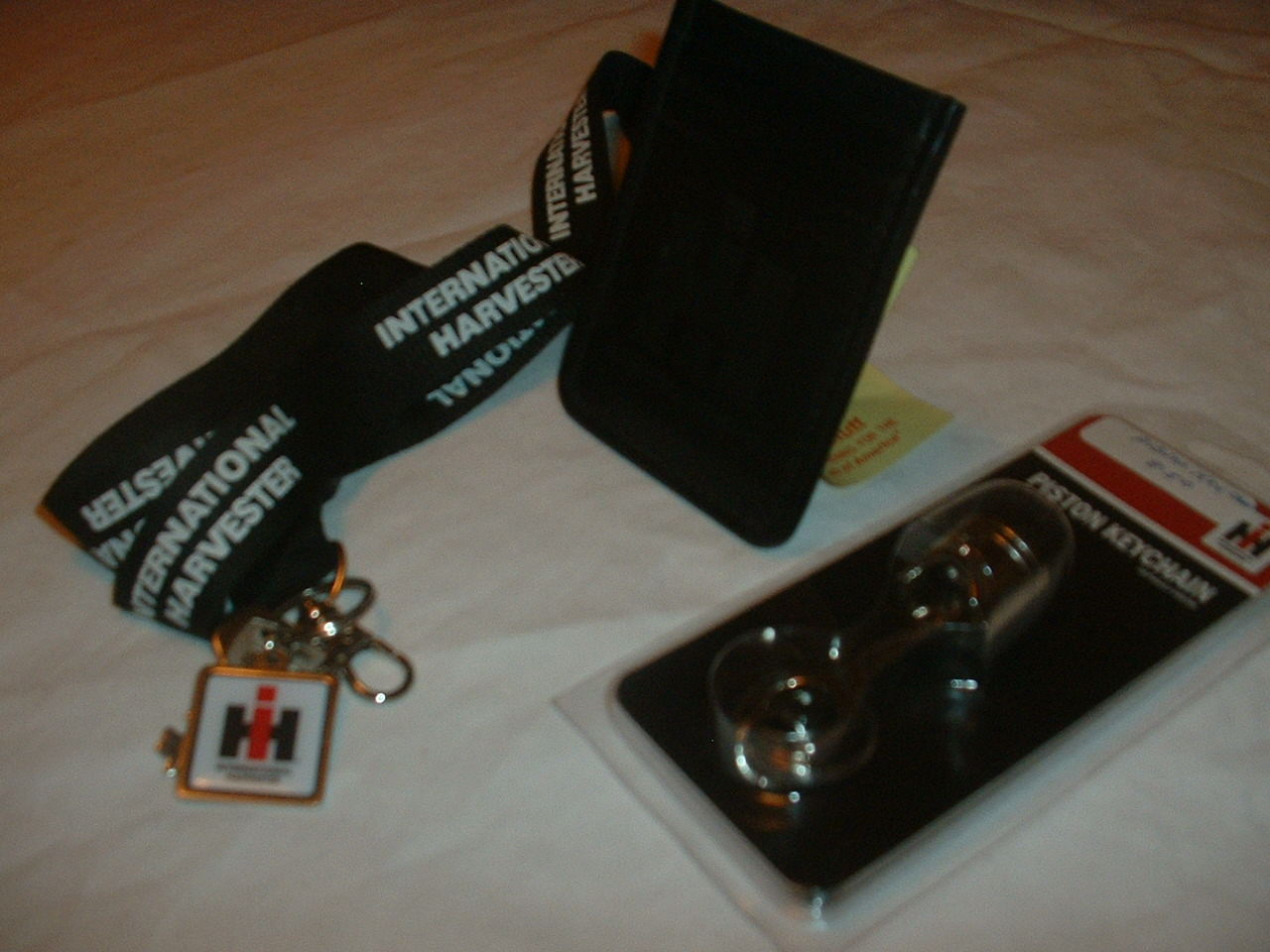 piston-key-chain-money-clip-ih-lanyard
